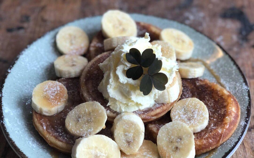 Pannkakor med banan & kolasås